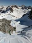 Llegando a los planos de Bergús. Al fondo, la sierra de Saboredo, Amitges y Bassiero.