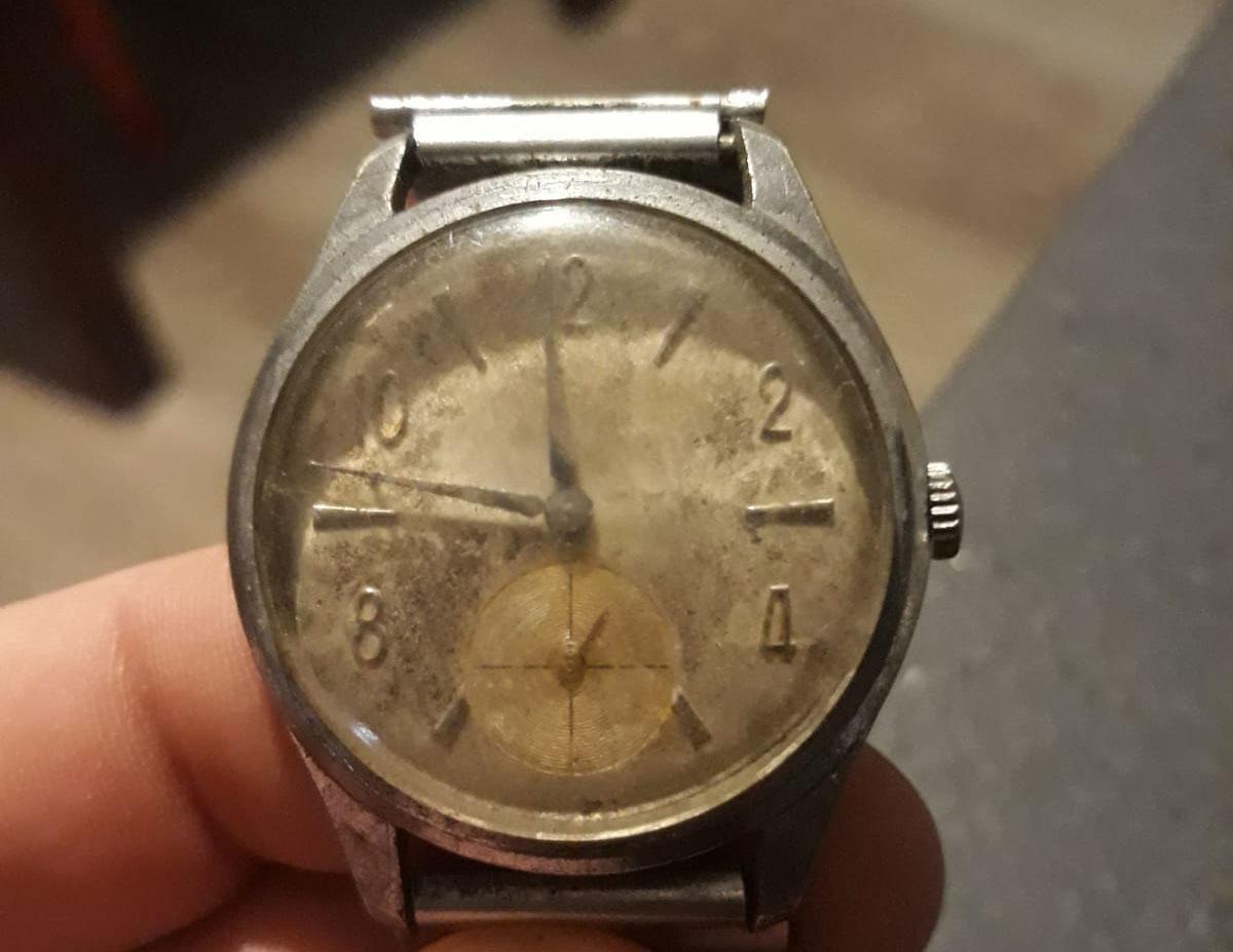 Prezzo Del Ferro Vecchio Oggi ho trovato il vecchio orologio del nonno in cantina: quanto