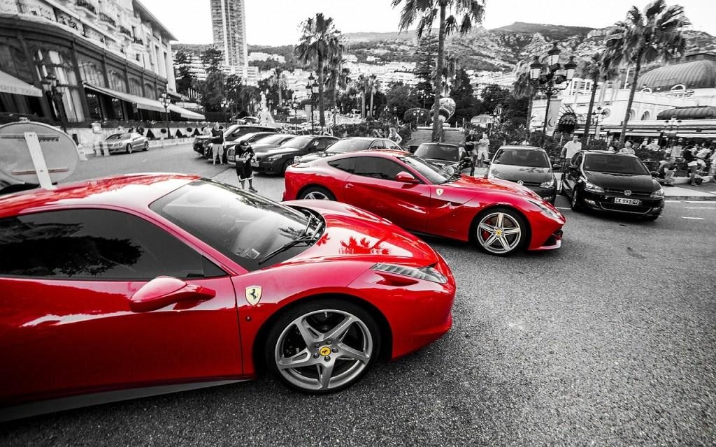 Ferrari, foto da Pixabay