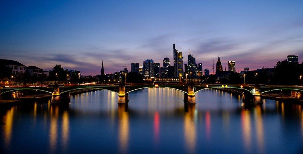 Francoforte, foto generica da Pixabay