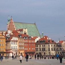 Ti invito a visitare il centro storico di Varsavia.