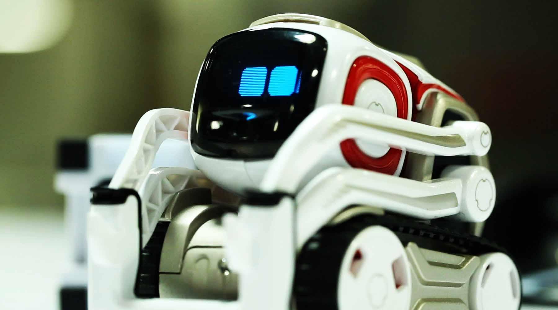 cozmo le petit robot intelligent d anki test et avis. Black Bedroom Furniture Sets. Home Design Ideas