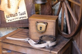 Keyhole - Sorcerers of the Magic-Kingdom - Disney World Attraction