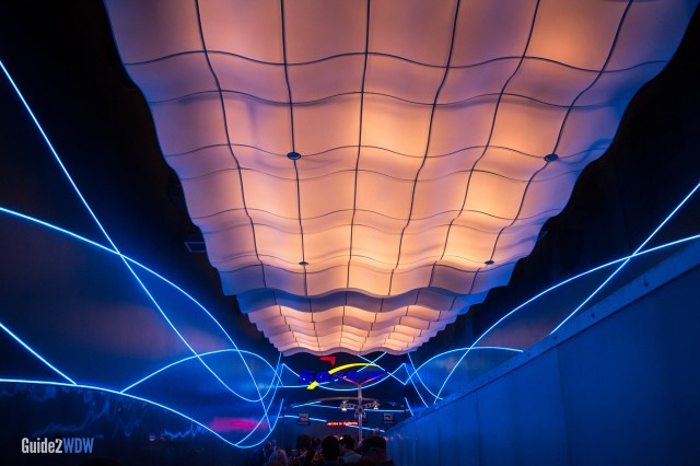Soarin Line - Epcot Attraction