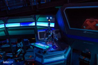 Line Droid - Star Tours - Hollywood Studios Attraction