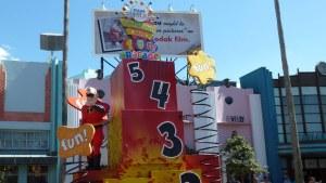 Pixar-Parade-Hollywood-Studios-Disney-World