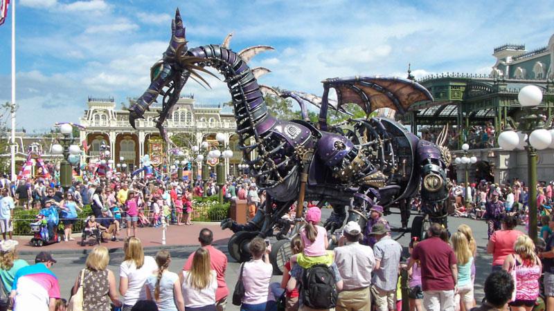 Festival of Fantasy - Dragon - Disney World Parade