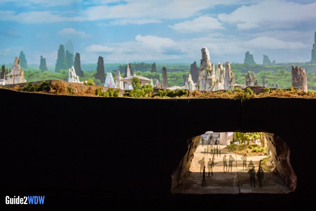 Entrance-Star-Wars-Galaxys-Edge-Model-D23-2017-Disneyland-Disney-World.jpg