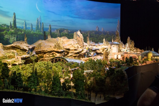 Star Wars: Galaxy's Edge Model - Disneyland and Disney World