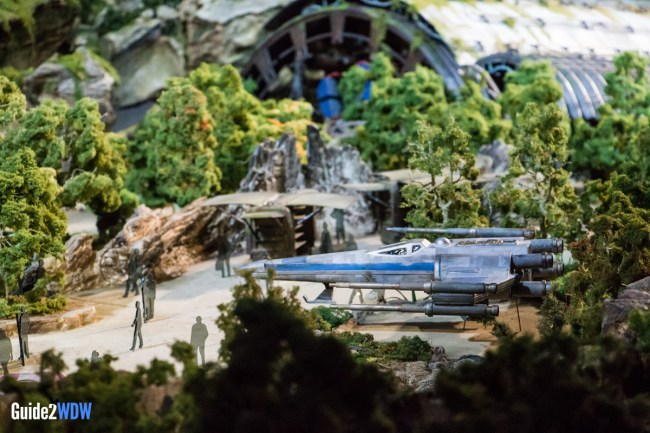 X-Wing - Star Wars: Galaxy's Edge Model - Disneyland and Disney World