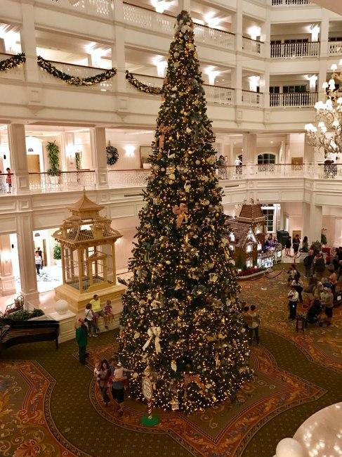 Grand Floridian - Lobby - Christmas