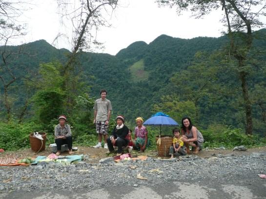 En cour de route vers Dong Van, rencontre des Dao noirs.