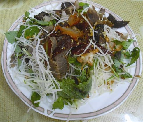 Salade du boeuf seche