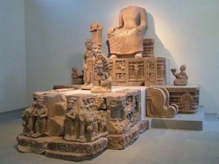 La-statue-du-bodhisattva
