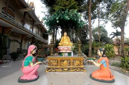 L'ancienne-pagode-Hue-Nghiem3