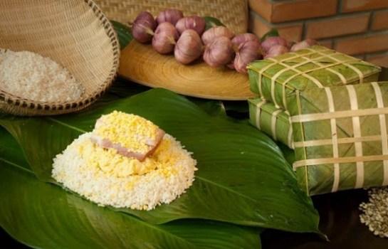 """Le secret de la saveur délicieuse des """"banh chung"""" de Tranh Khuc réside dans le choix des ingrédients."""