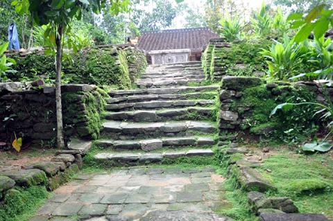 loc yen escalier village
