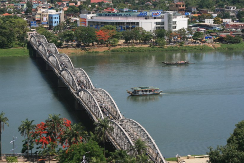pont truong tien 2