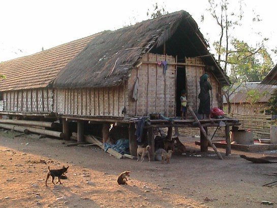 lac de lak village ethnique jun.jpg