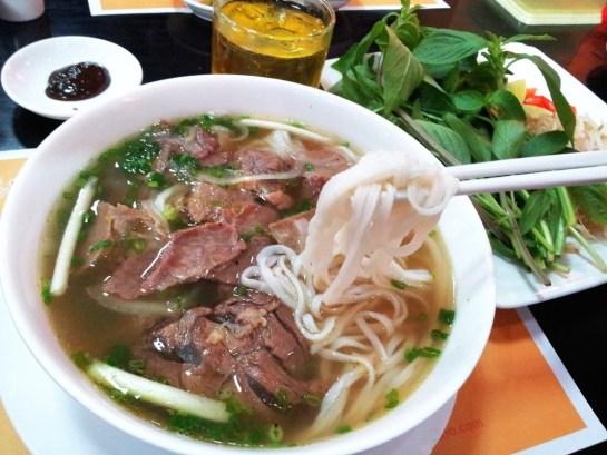 soupe pho au boeuf cuisine vietnam