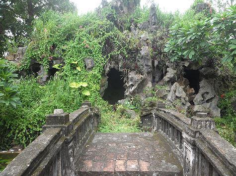 grotte à la cathedrale de phat diem