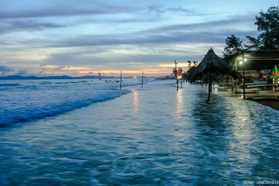 plage à la baie d'halong 3