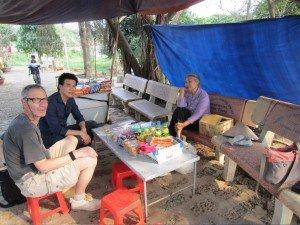 Visite le Village Duong Lam avec guide francophone locale au Vietnam