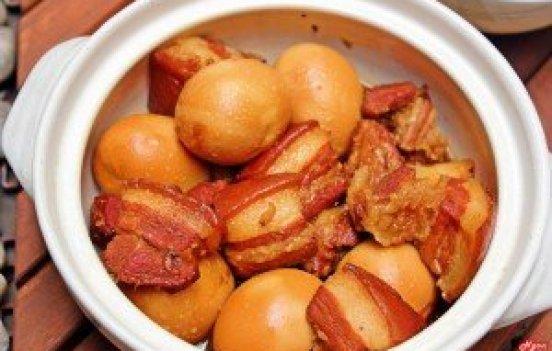 Porc braisé à la cusine nord vietnam
