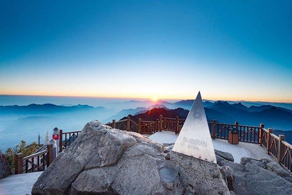 Mont fansipan, toit de l'Indochine