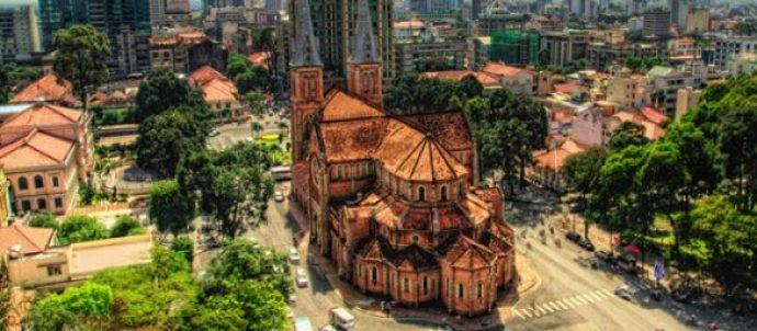 Hô Chi Minh Ville et sa cathédrale Notre-Dame