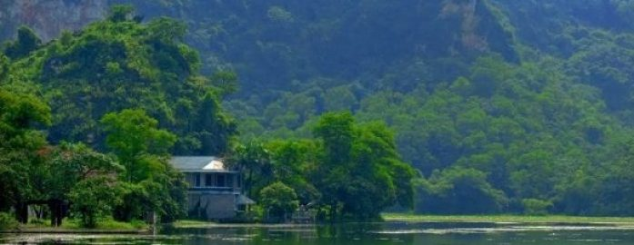 Le lac Quan Son Ha Tay Ha Noi