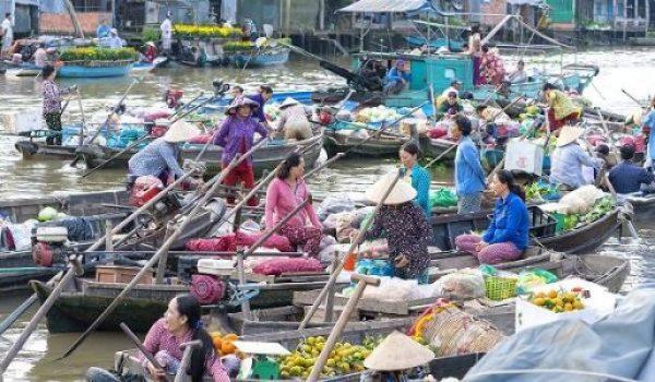 Marché flottant au Delta du Mekong