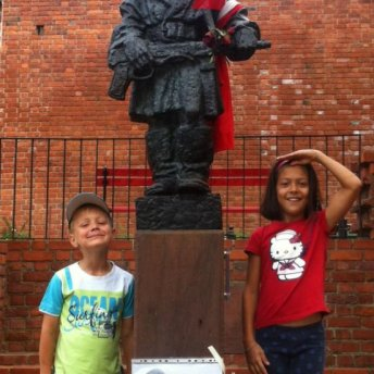 "The monument of the ""Small insurgent"" makes a big impression on children."