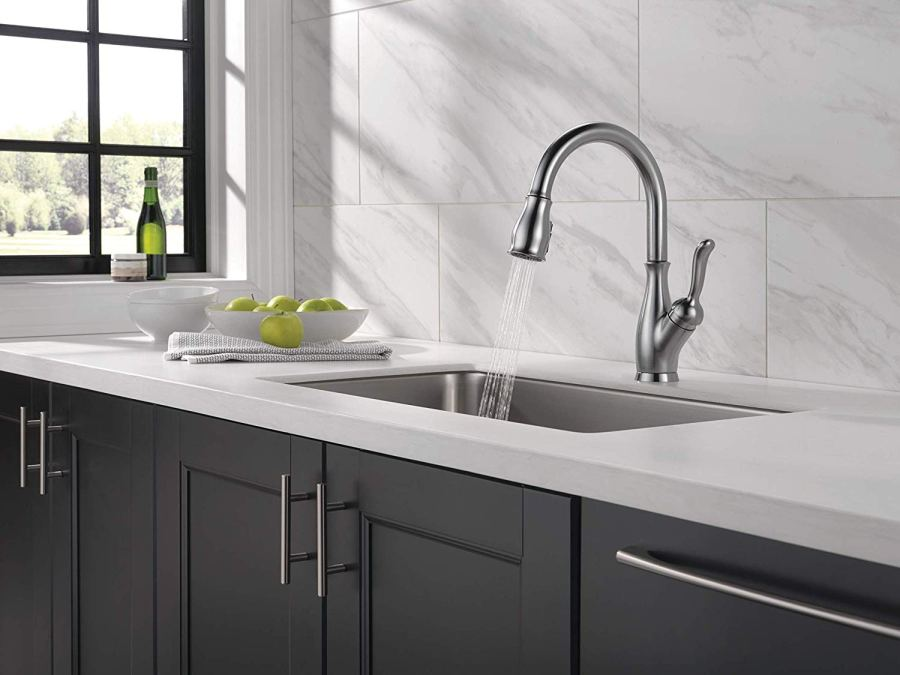 delta kitchen faucets with sprayer
