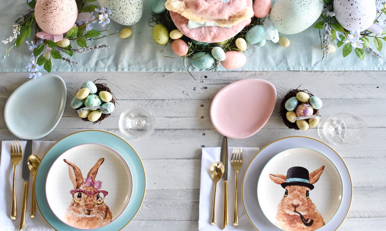 16 Easter Decorating Ideas for Your Dinner Table   Overstock com 16 Easter Table Decoration Ideas