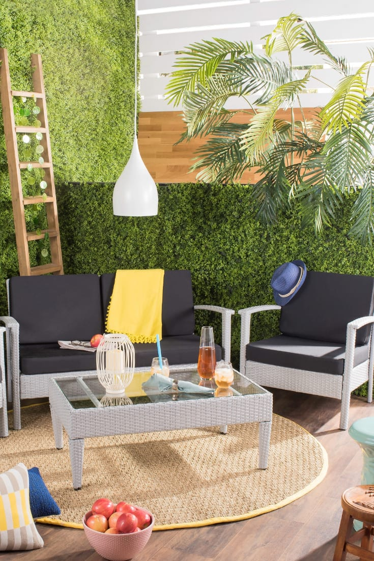 decorating small outdoor spaces