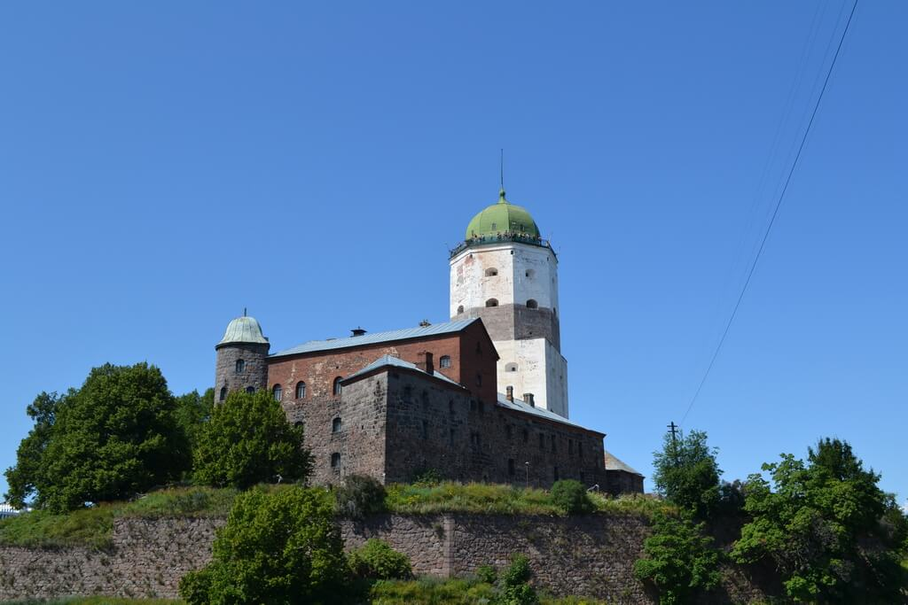 View of the castle from the embankment