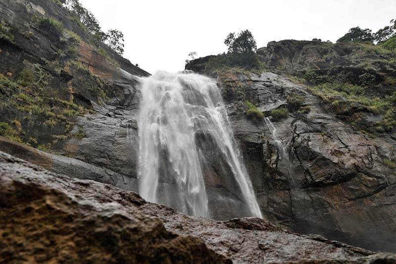 Agaya Gangai Waterfalls -hills