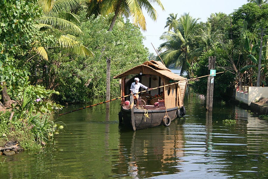What are backwater houseboats - Kerala Backwater