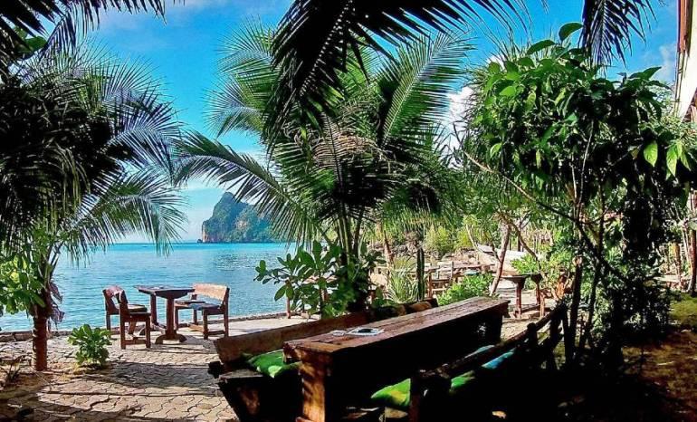 Sun Flower Beach Bar