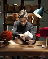 Louise Pocock bespoke millinery Cotswold Hat Shop Chipping Campd