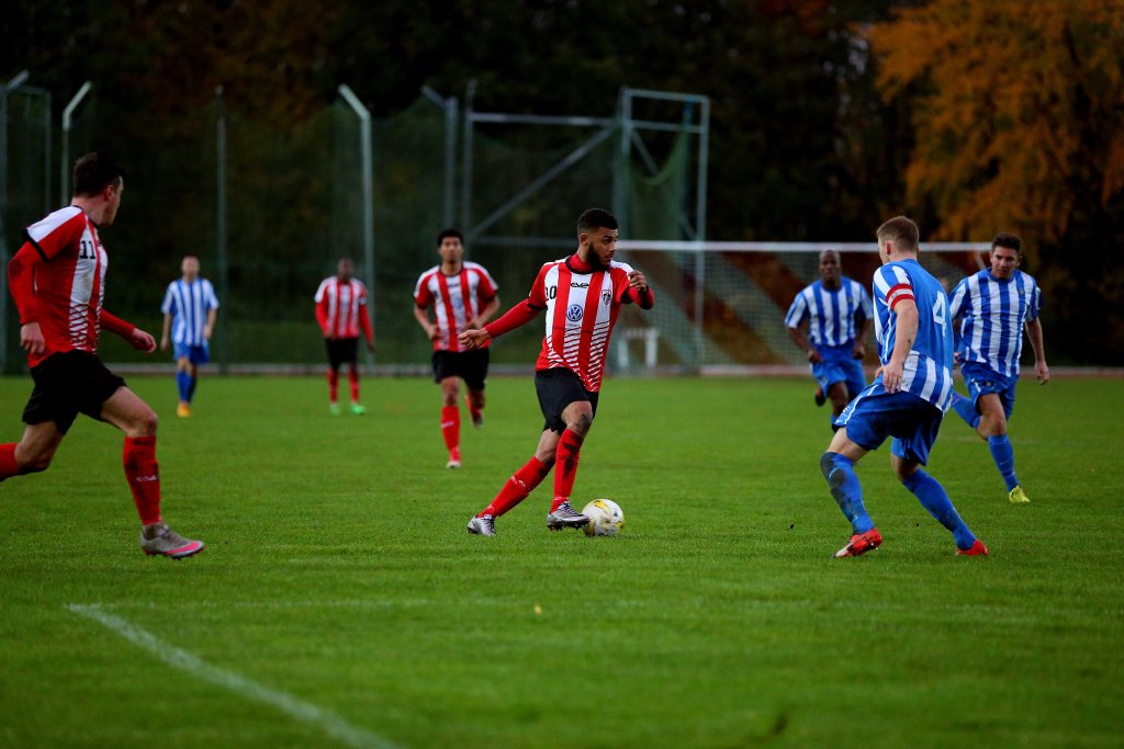 11/11/2017. Guildford City v Camberley Town.