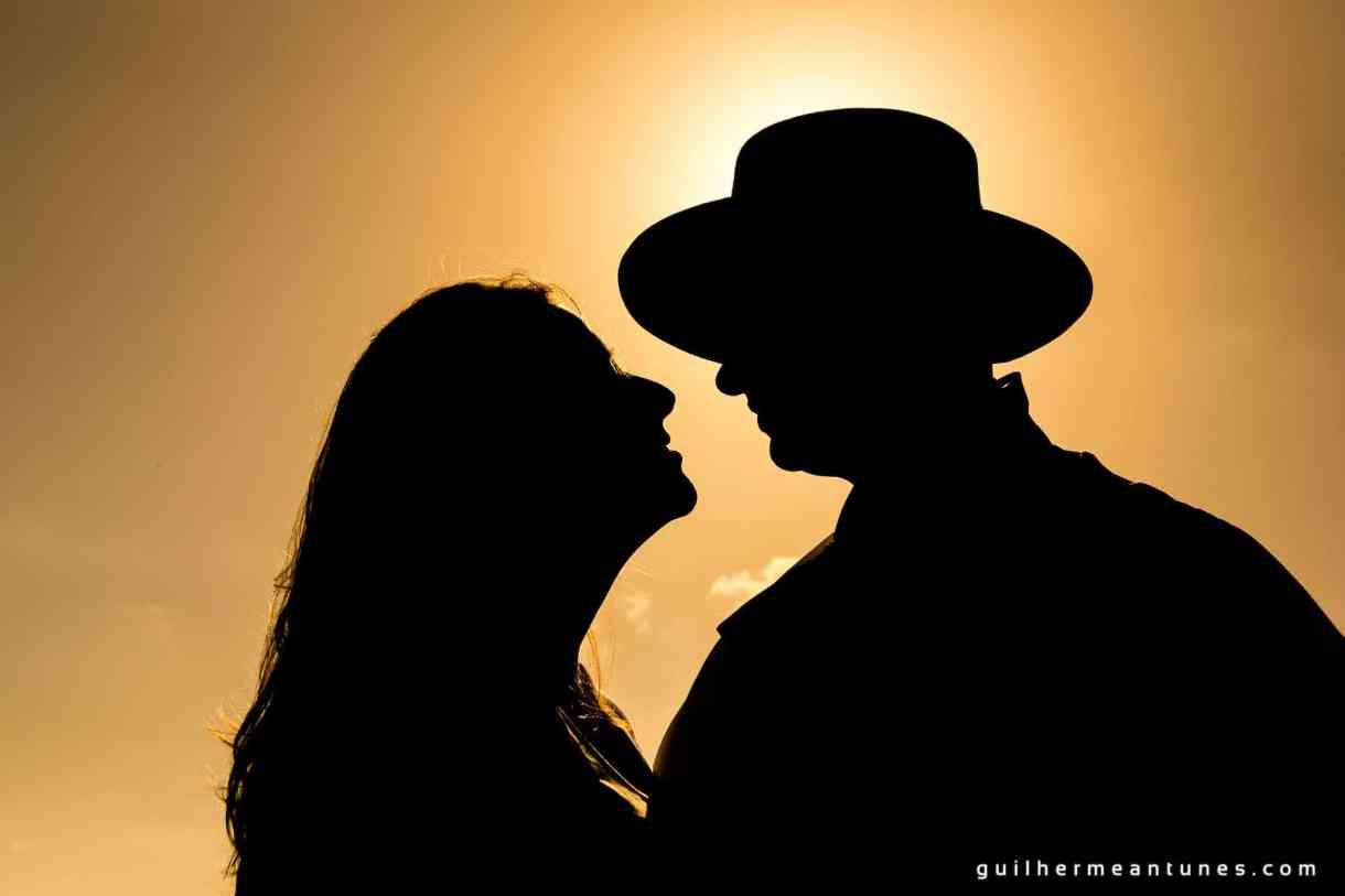 Foto de Casamento Larissa e Fabiano sombra do abraço