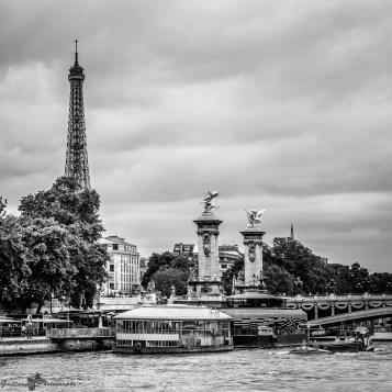 Paris autrement - Carte postale