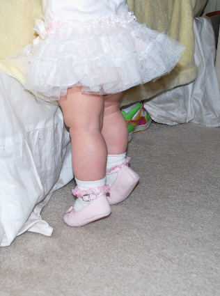 Speaking of ADORABLE... HOW ABOUT THESE ADORABLE LITTLE LEGS!