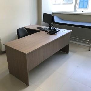 mesa para consultório médico