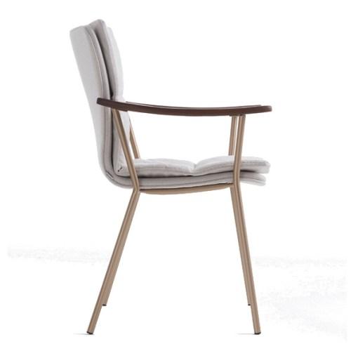 cadeira Flow com estrutura em aço