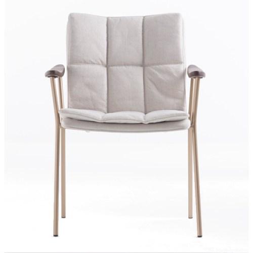 cadeira Flow com exclusivo desenho