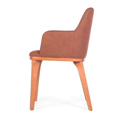 cadeira Lívia com braços em madeira