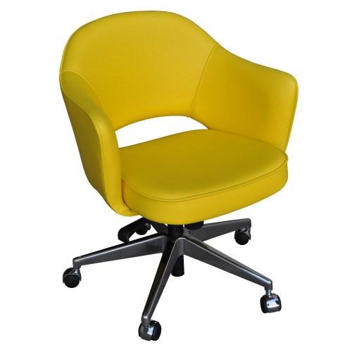 Cadeira Saarinen 71 Office amarela